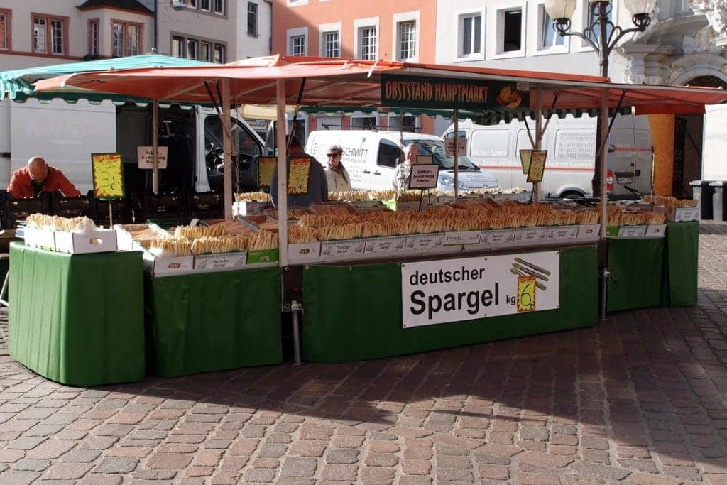 white asparagus stand in Trier