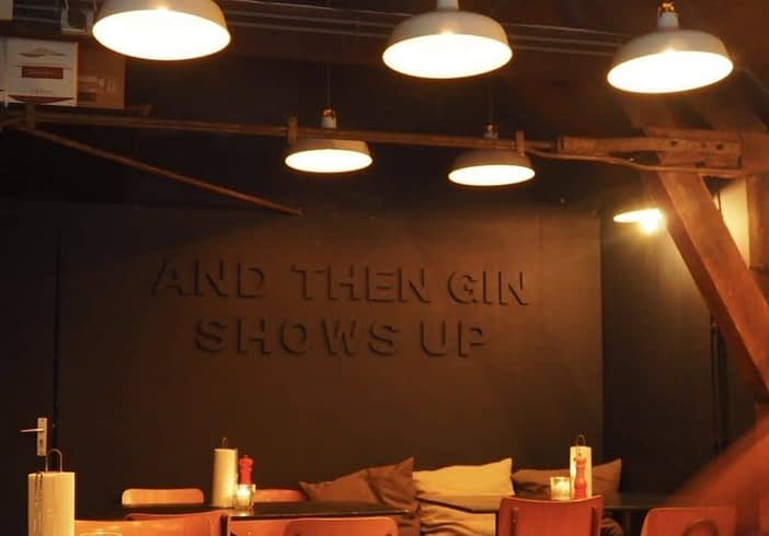 mossel and gin interior sign
