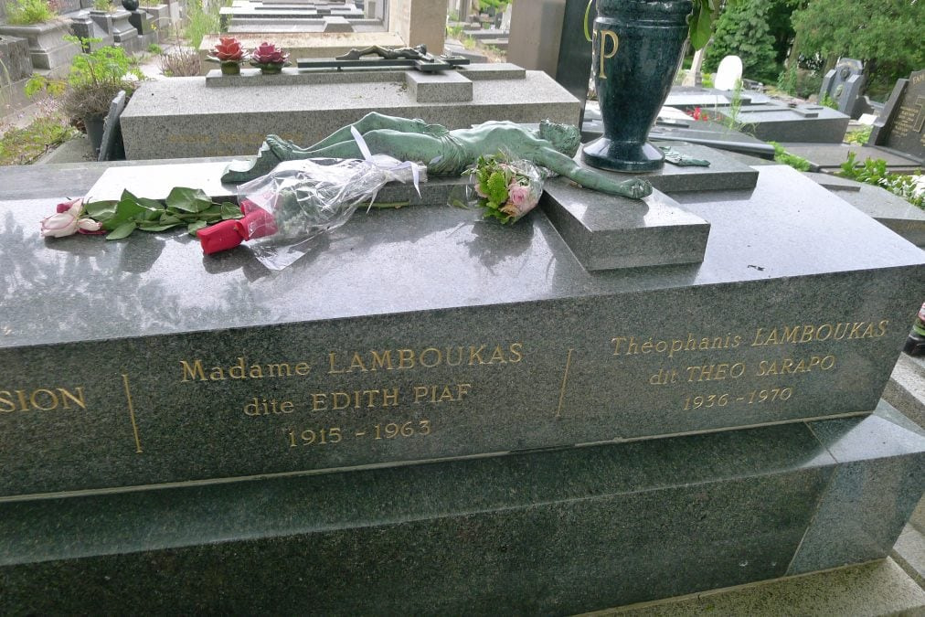 Édith Piaf's grave in Pere lachaise