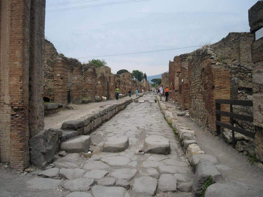 Pompeii road with stepping stones